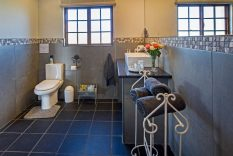 Guesthouse with two bathrooms in Underberg