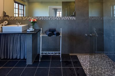 Clean spacious guest bathrooms at Oak Ridge Guest House